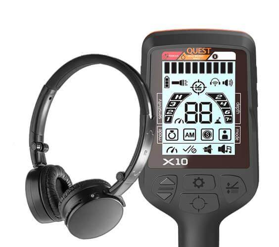 Le détecteur de métaux Quest X10 avec un casque sans fil